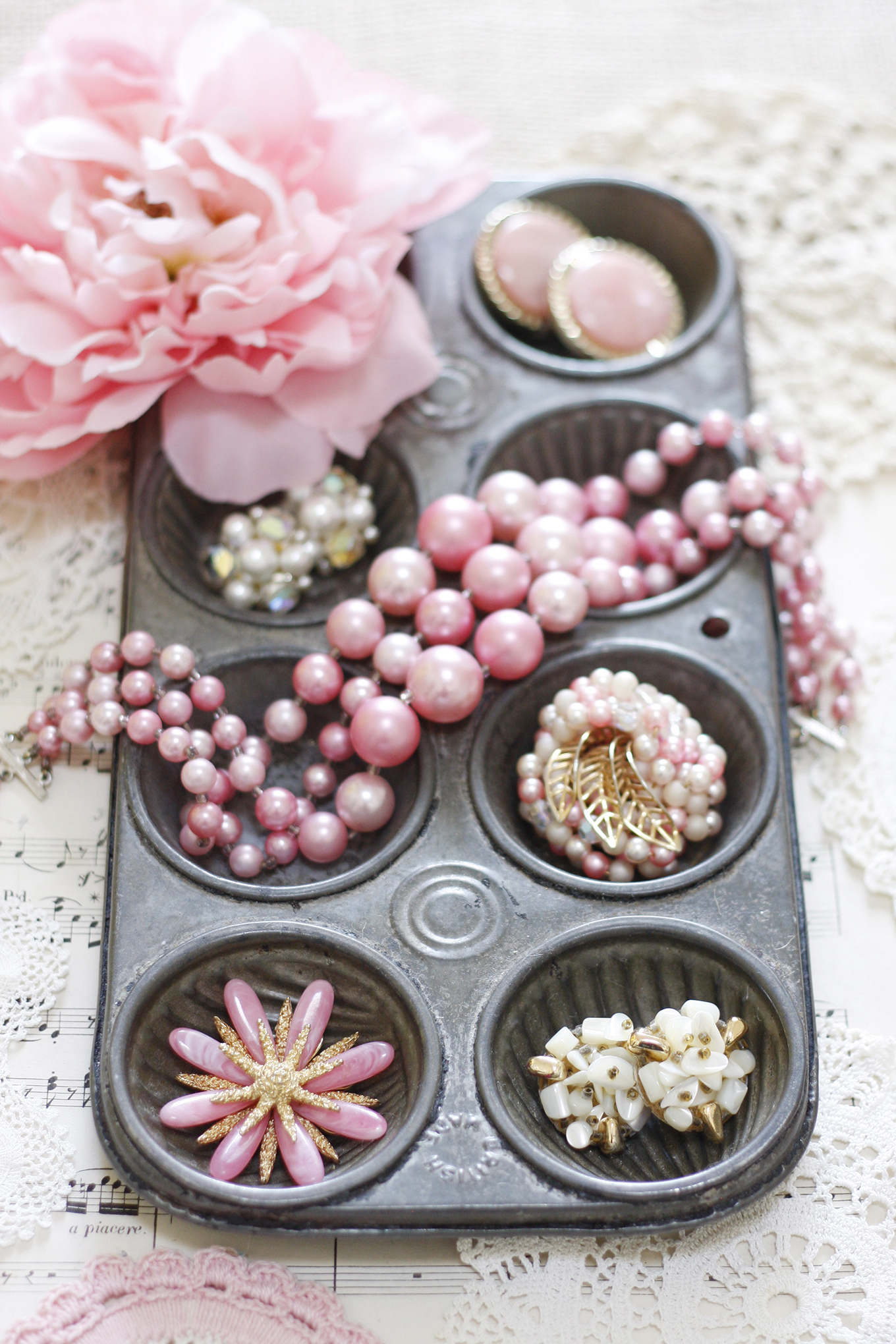 vintage muffin tin organize jewelry