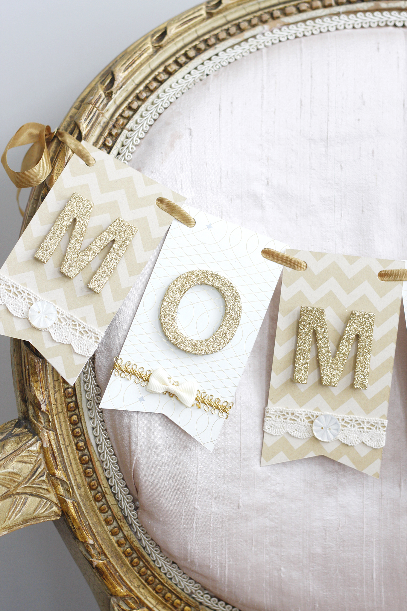 04_Paige Smith_Baby Shower_Mom to Be Chair Banner Decor