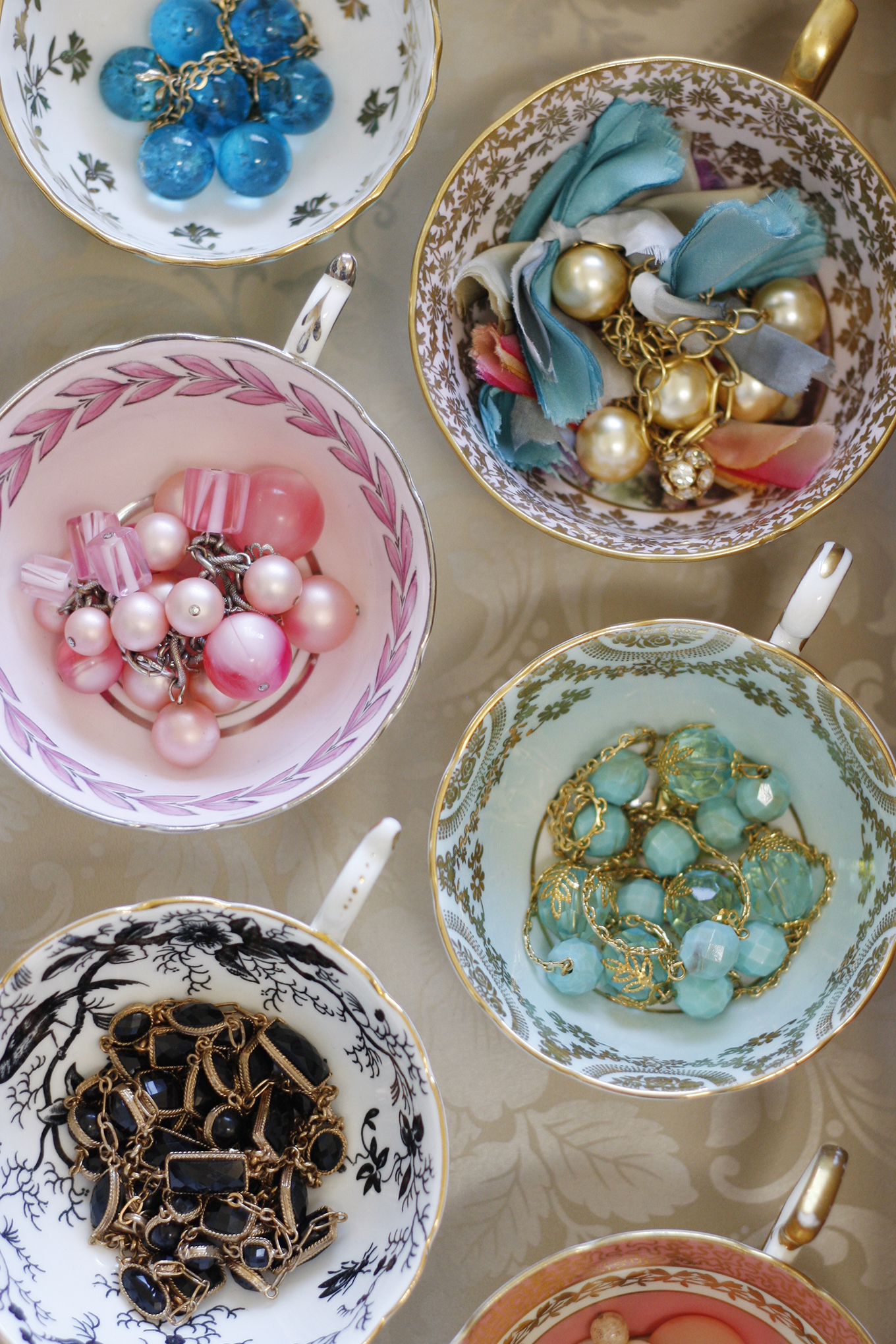 vintage tea cup organize jewelry